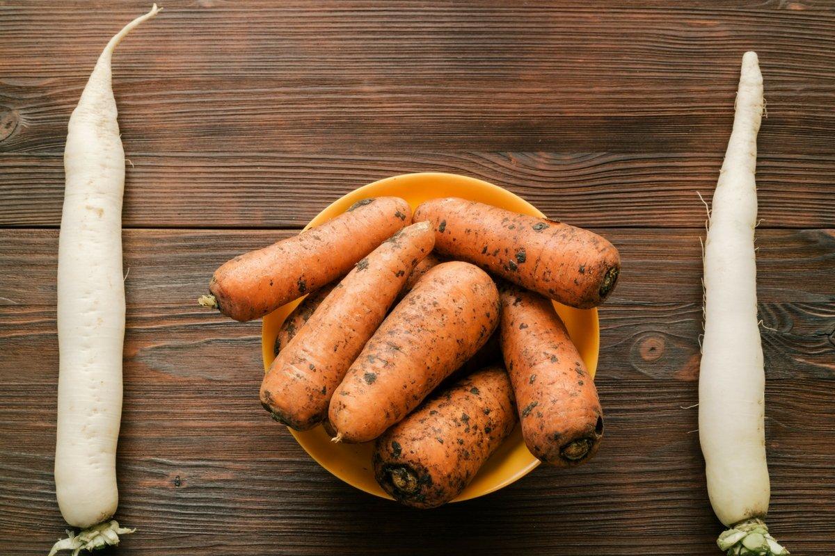 Do chua ingredients, carrot and daikon