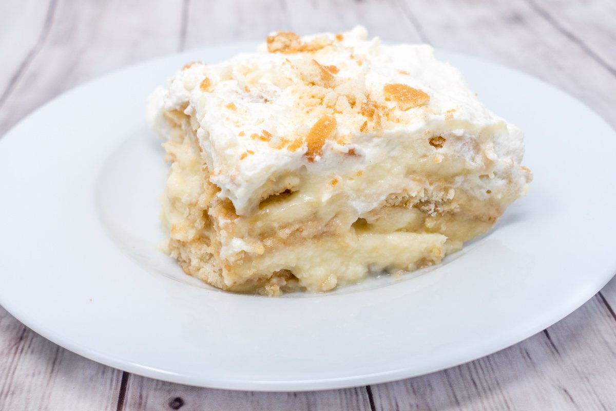 Southern banana pudding with whipped cream