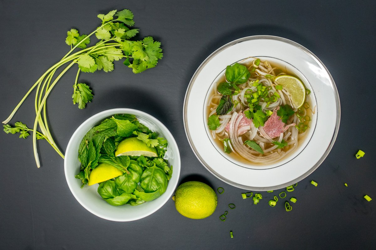 This pho recipe is delicious and straightforward to make in the slow cooker | pho recipe beef