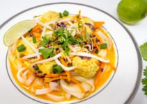This Thai curry noodle bowl with chicken and vegetables is delicious and offers a flavorful kick